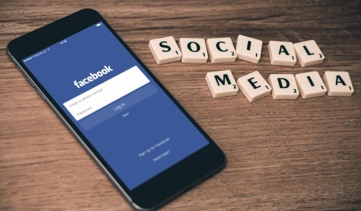 Pachet administrare pagini social media